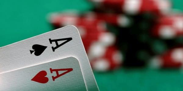 Como Jogar Ultimate Texas Hold 'em Online